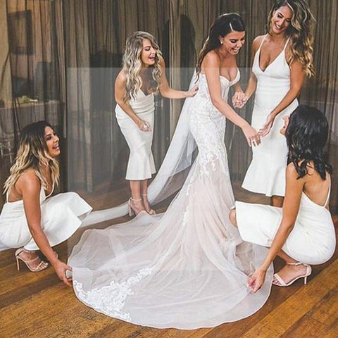 products/white_bridesmaid_dresses.jpg