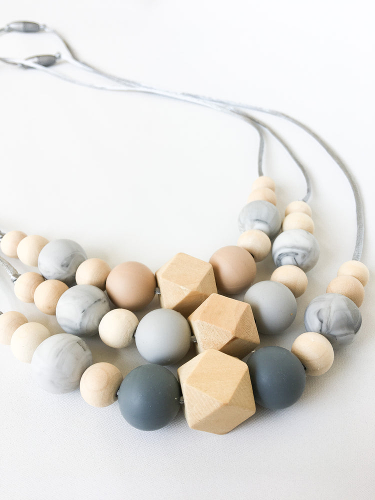 Imogen Silicone Nursing Necklace