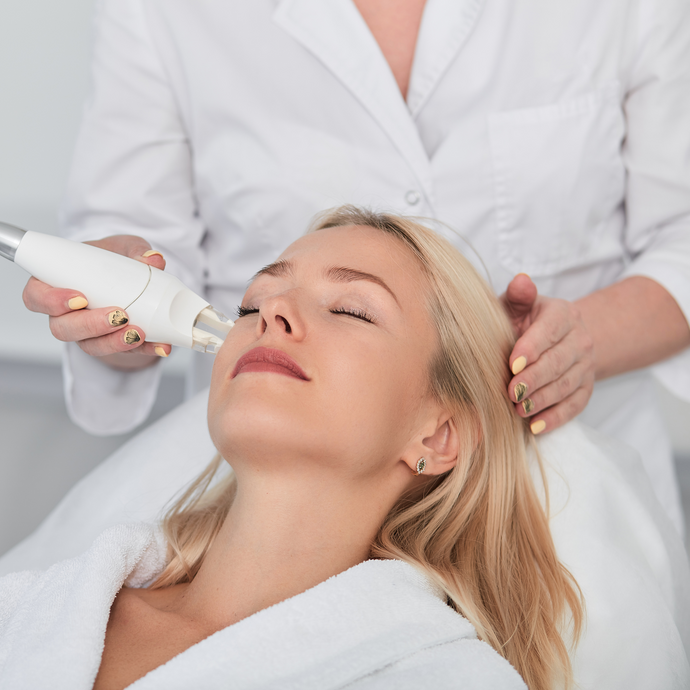 3 Types Of Procedures To Try This Winter like Fraxel Laser & Chemical Peels