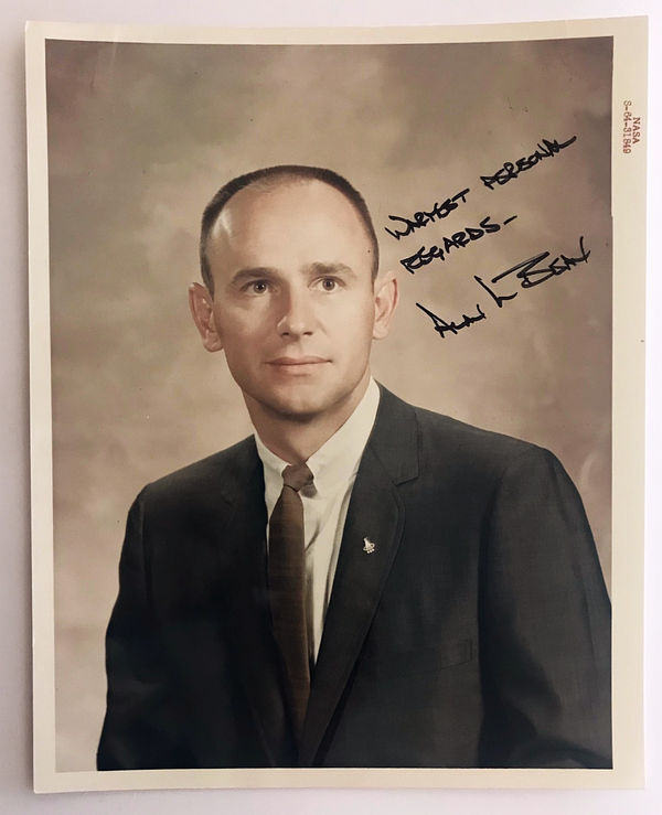 ALAN BEAN AUTOGRAPHED PHOTO - The Space Store