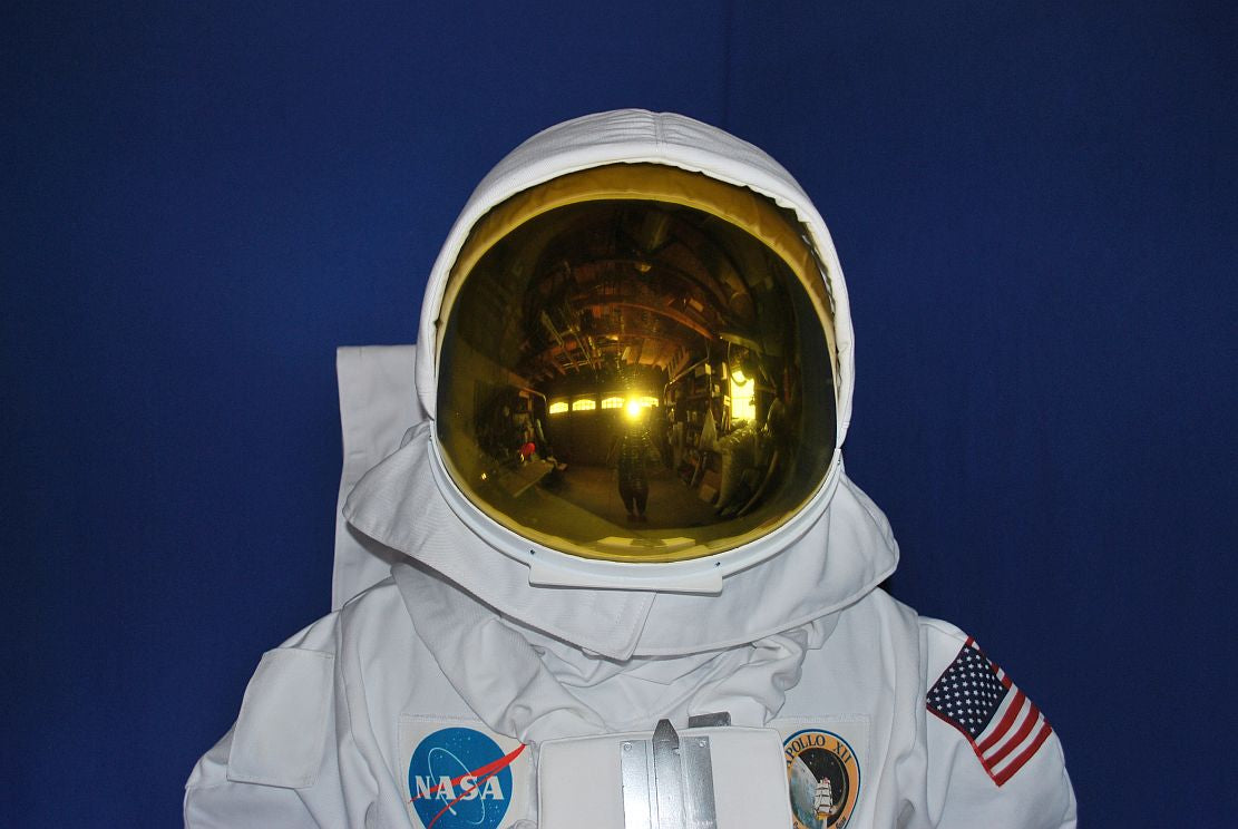 an interactive spacesuit experience nasa - 1111×744