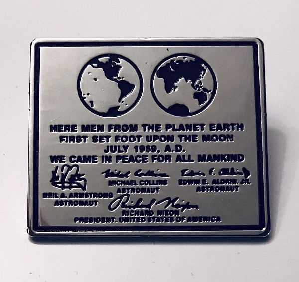 APOLLO 11 LUNAR PLAQUE LEFT ON THE MOON - LAPEL PIN - The Space Store