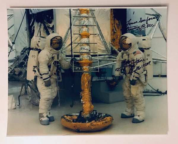 FRED HAISE SIGNED PHOTO - LUNAR SRFACE TRAINING @ KSC - The Space Store