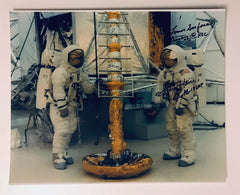 FRED HAISE SIGNED PHOTO - LUNAR SRFACE TRAINING @ KSC