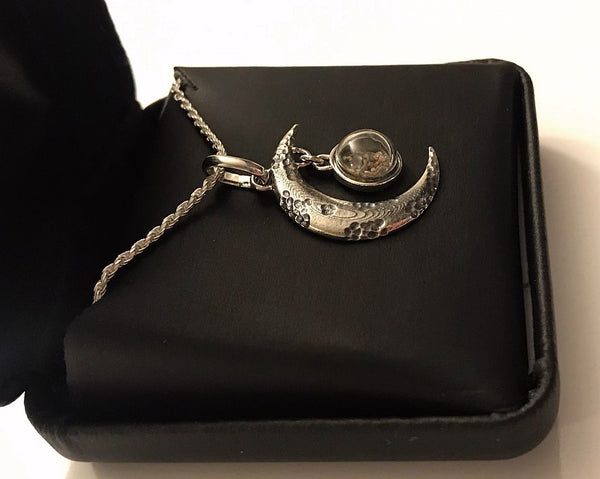 Moon Pendant with real lunar meteorite granules with 18