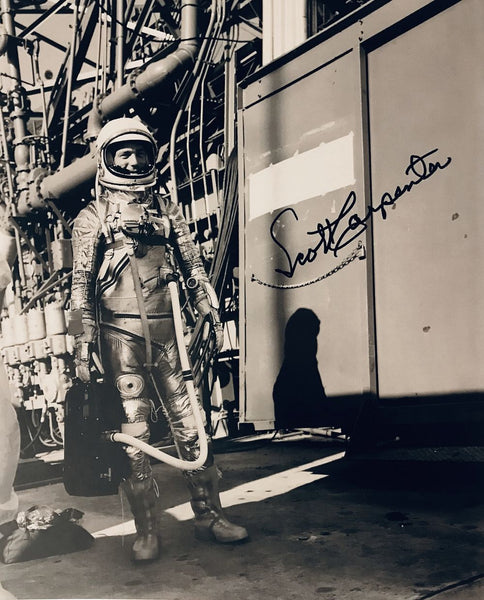 SCOTT CARPENTER AUTOGRAPHED 8 X 10 PHOTO