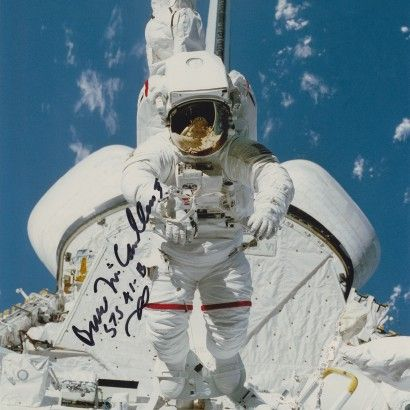 BRUCE McCANDLESS AUTOGRAPHED PHOTO - The Space Store