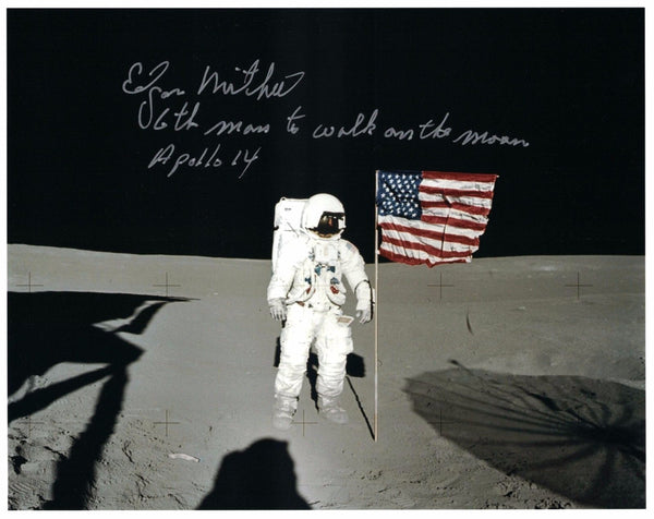 EDGAR MITCHELL AUTOGRAPHED 8X10 PHOTO