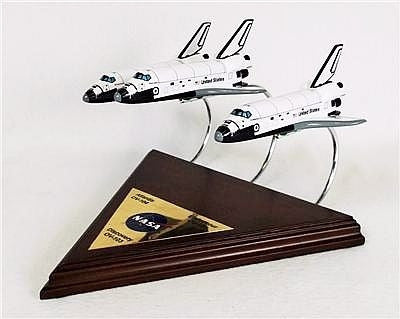 Space Shuttles Discovery, Atlantis and Endeavour 1/200 Scale Set - Model