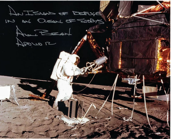 Alan Bean signed 8X10 photo - The Space Store