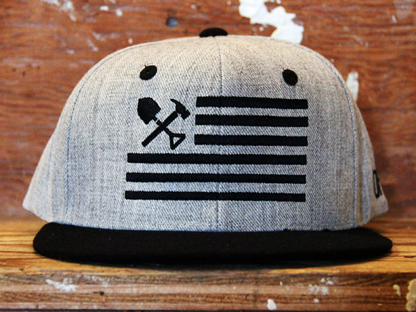 Shovel N Bars Snap back
