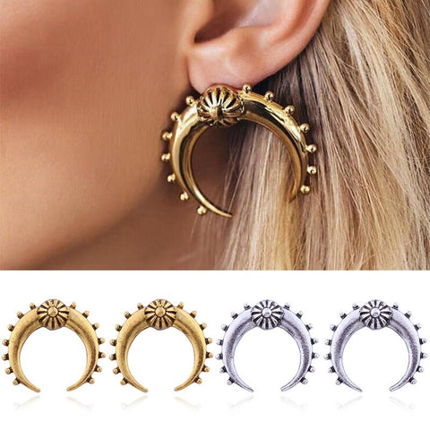 Divine-Crescent-Moon-Earrings