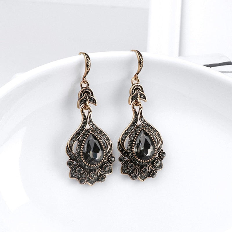 Vintage Style Black Crystal Earrings