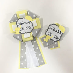 Little Peanut Mommy & Daddy-to-Be Pin - Yellow