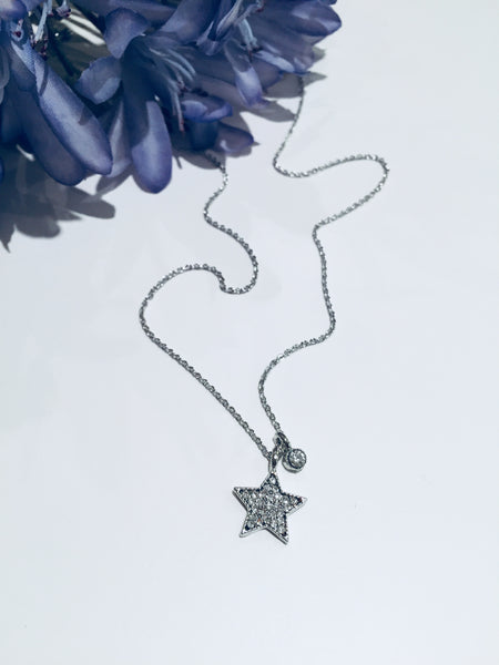 Delicate Star Pendent Necklace