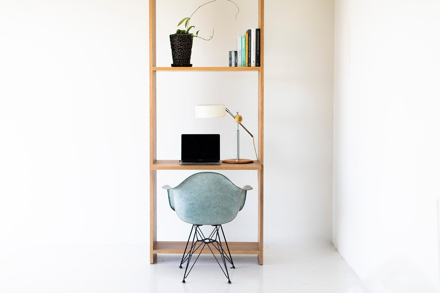 Tall-Oak-Shelving-Desk-02