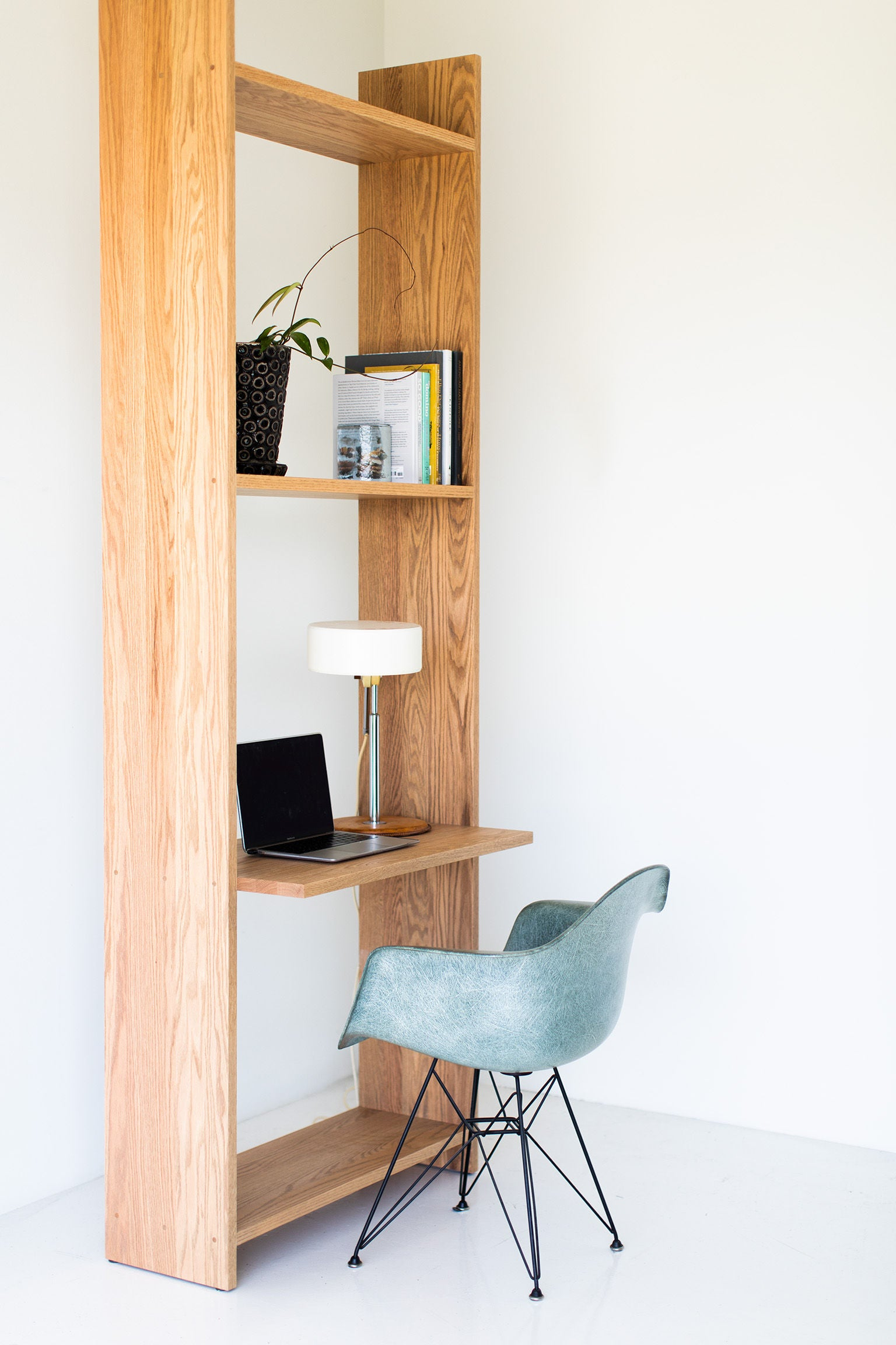 Tall-Oak-Shelving-Desk-06