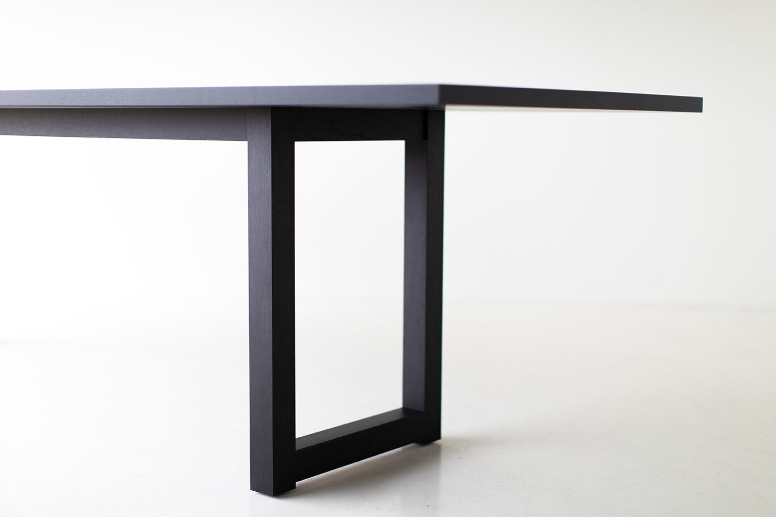 black-dining-table-02