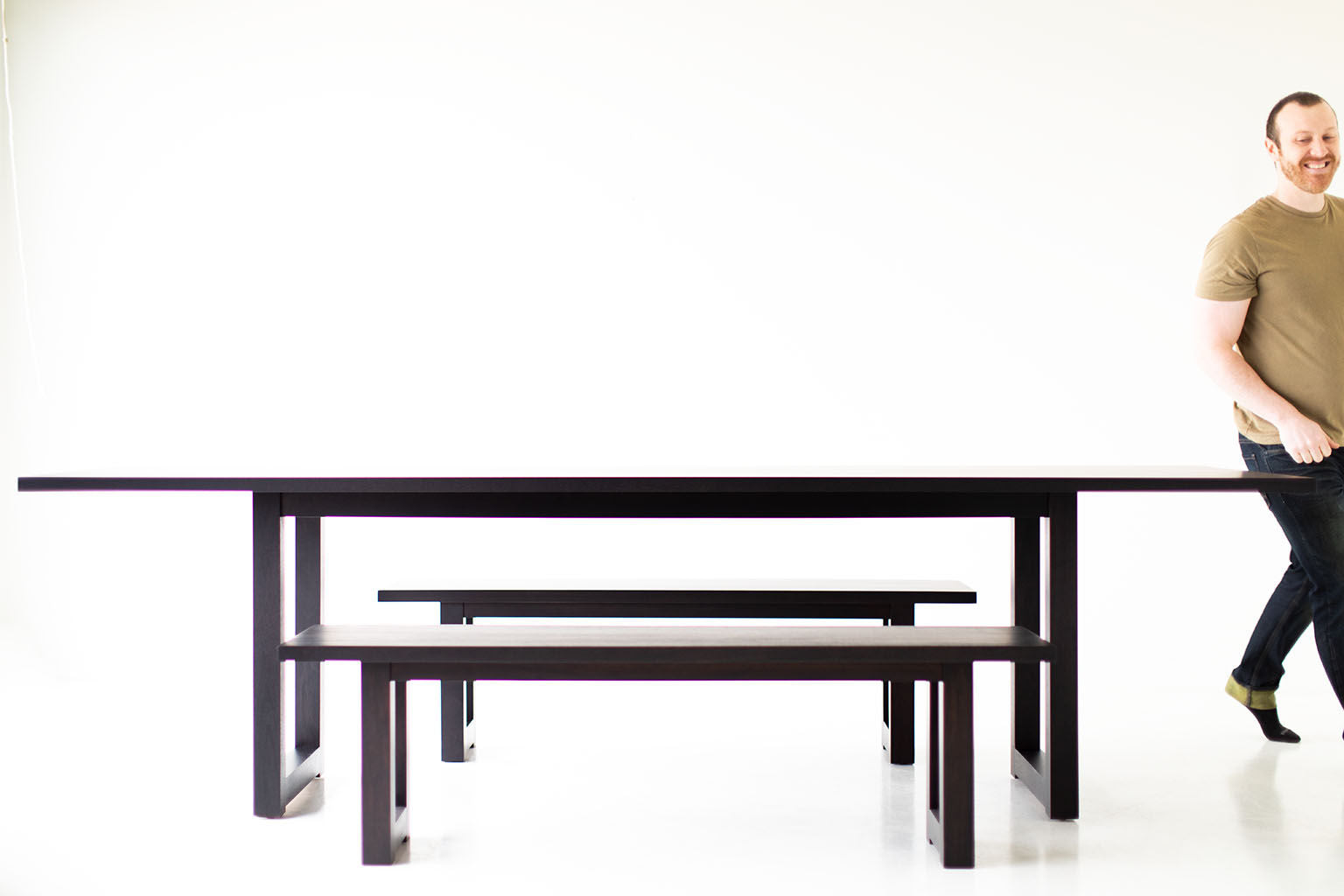 black-dining-table-04