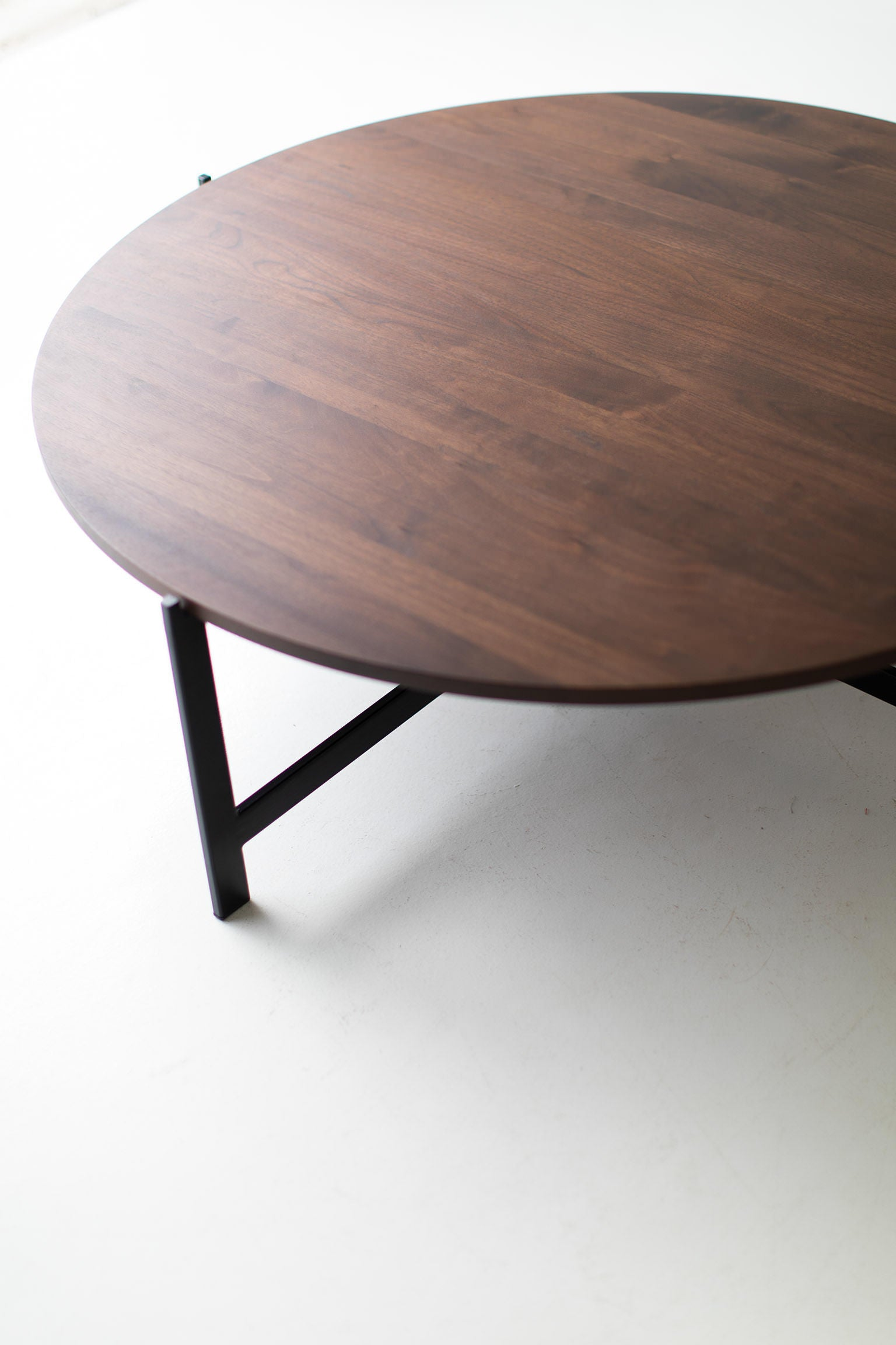 Modern-Round-Coffee-Table-03