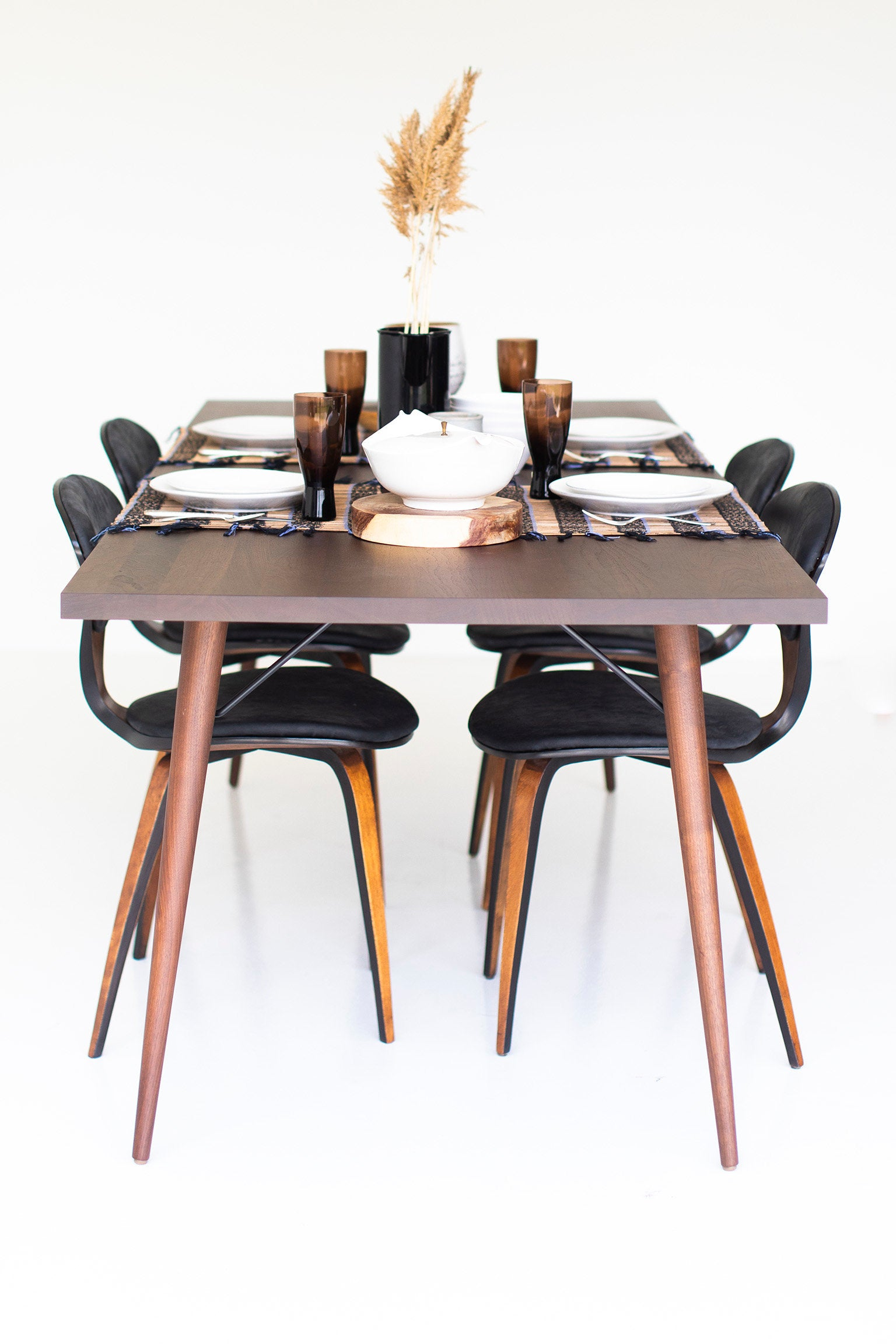 modern-walnut-dining-table-05