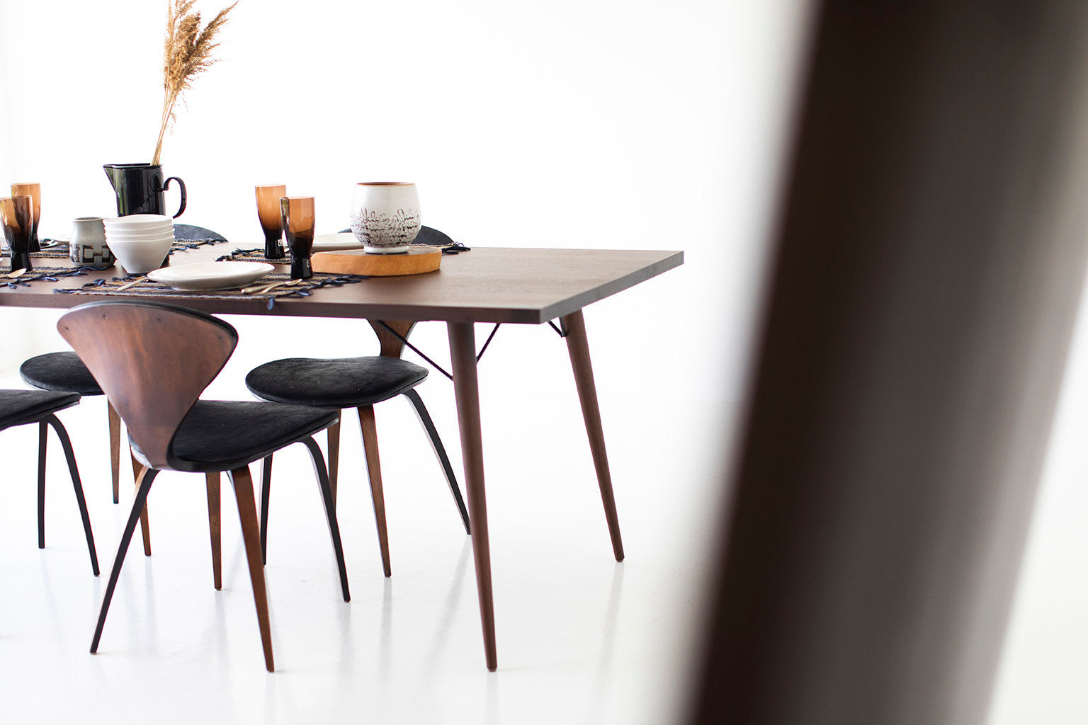 modern-walnut-dining-table-06
