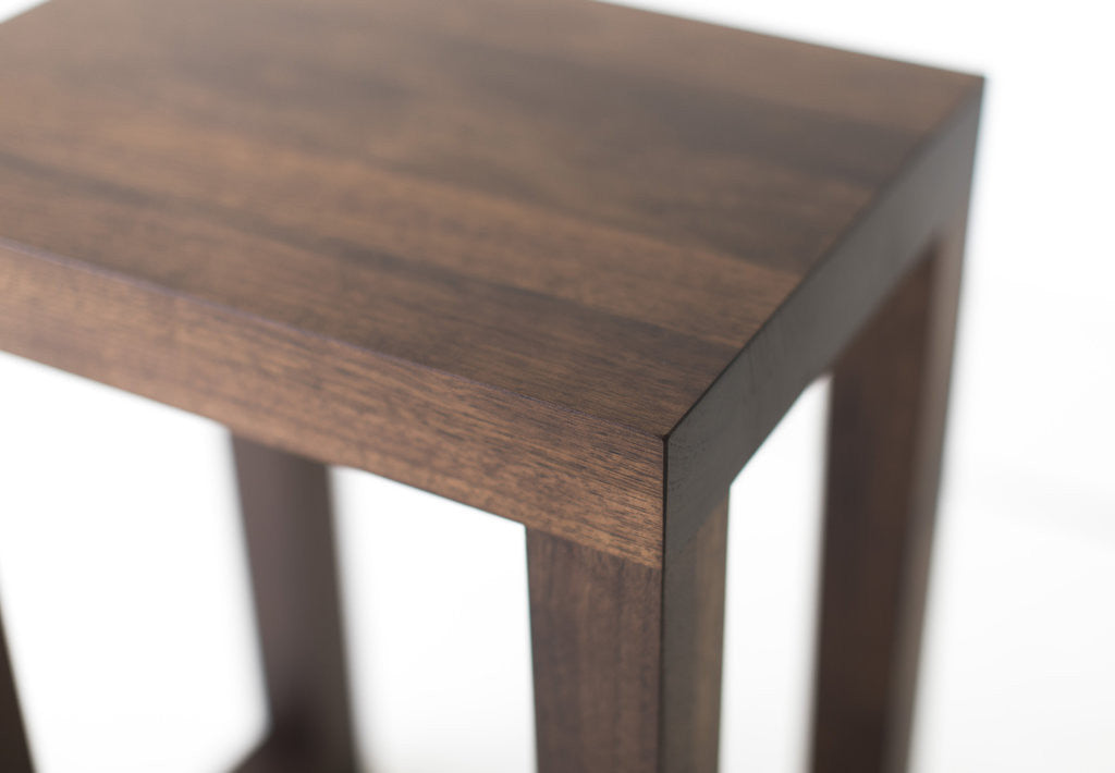 small-modern-side-table-03
