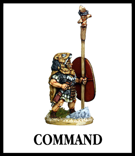 28mm scale lead metal miniature toy soldier from Wargames Foundry Imperial Romans command figure with standard and lion pelt on head