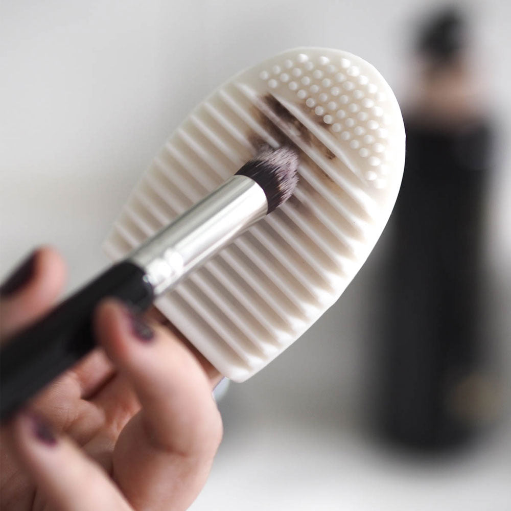 Did You Know You Should Clean Your Makeup Brushes Once a Week? See How!