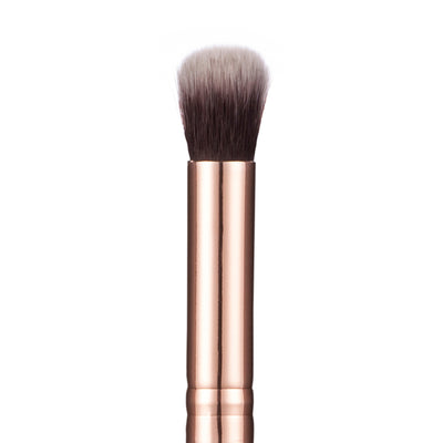 110 Soft Focus Concealer Brush - Niré Beauty