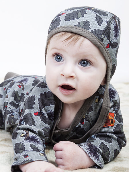 Modeerska Huset baby hat, 2 prints<br>To squirrel & Deep Forest