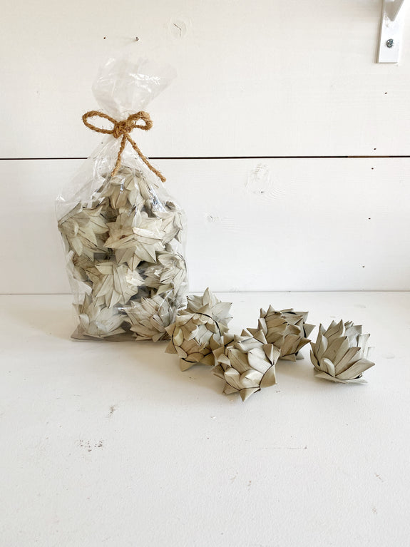 Dried Palm Leaf Artichoke Fill