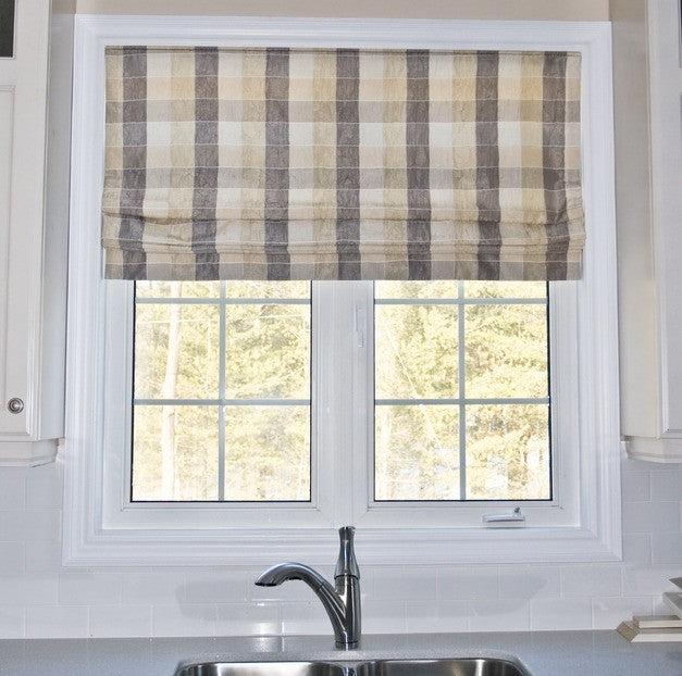 checked roman blind