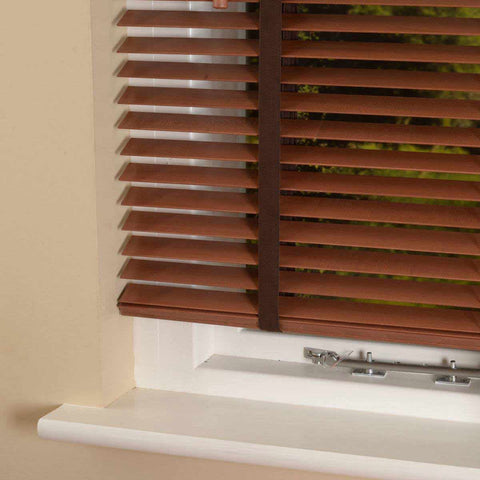 35mm Elementi Wood Venetian Blind With Tapes Chestnut