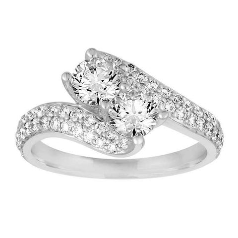 cubic zirconia jewelry has glare thats much more vibrant than that of a real diamond and beams in most colors of the rainbow its also frequently set in - Cubic Zirconia Wedding Rings That Look Real