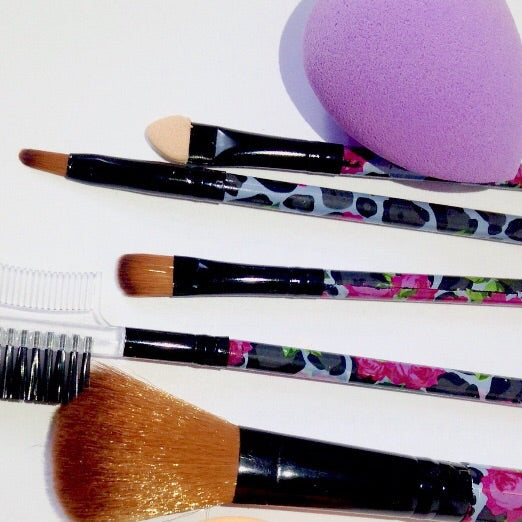 Basic Brushes & Blending sponges set, Brushes set  - MinorityBeauty