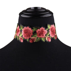 FLORAL EMBROIDERED FASHION CHOKER