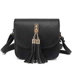 AMANDA SHOULDER BAG
