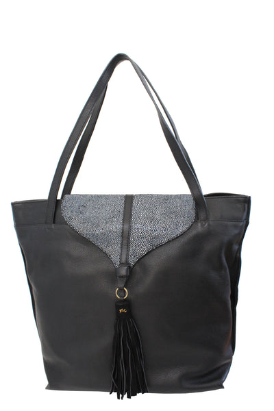 ARROW TOTE IN STINGRAY COMBO