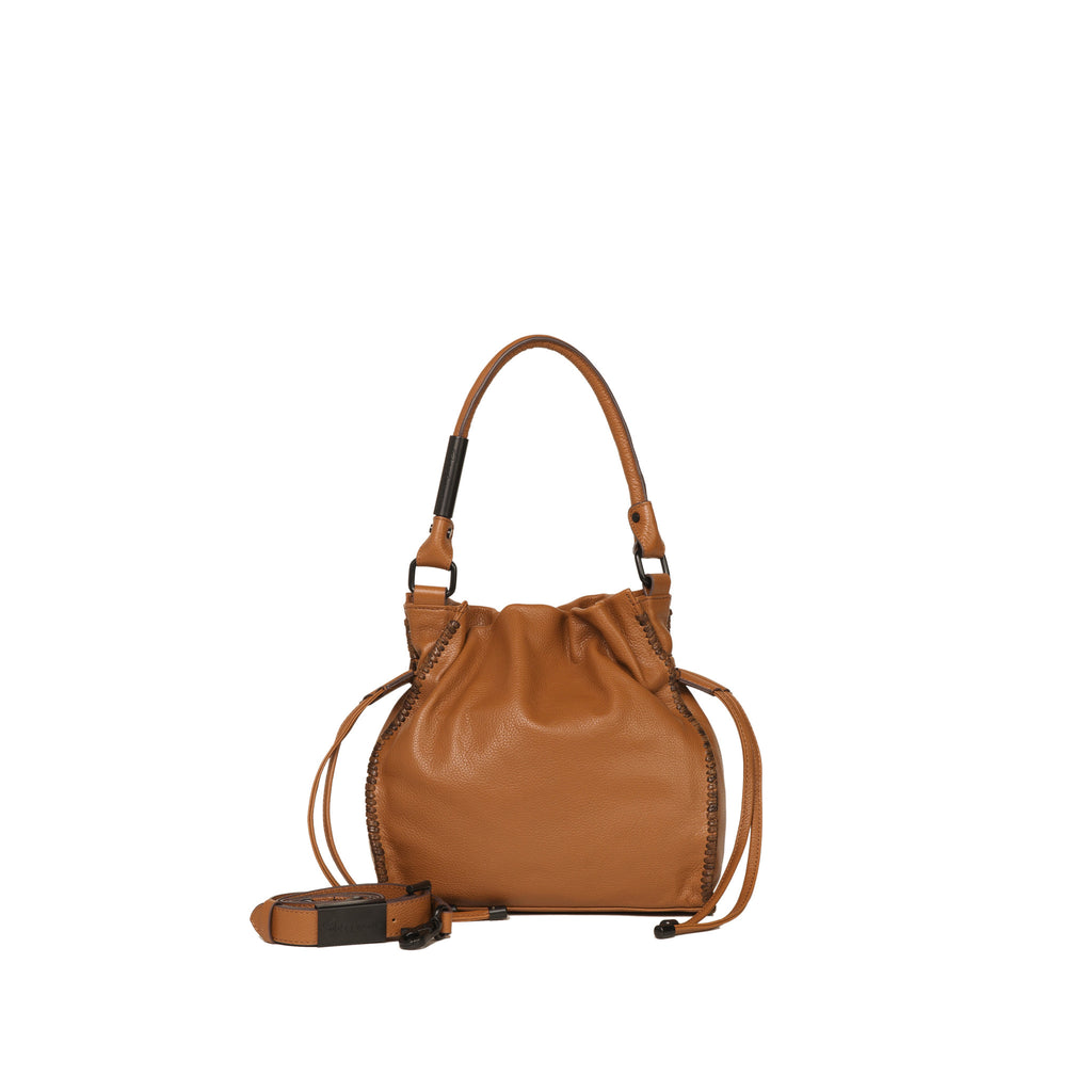 AMI DRAWSTRING TOTE IN HONEY BROWN