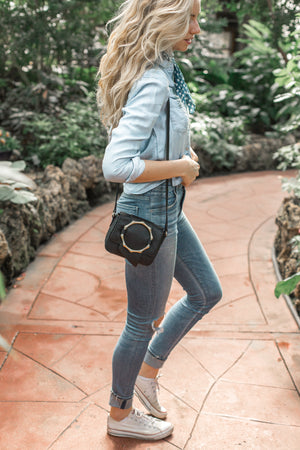 Joni Crossbody in Black