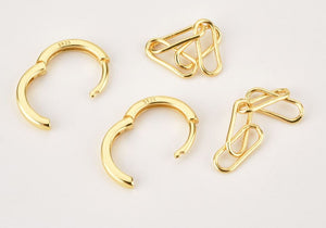 Link Huggie Hoop Earrings