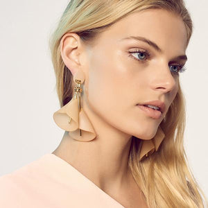 Lele Sadoughi  Cala Lily Earrings
