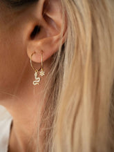 Load image into Gallery viewer, Kai Earrings