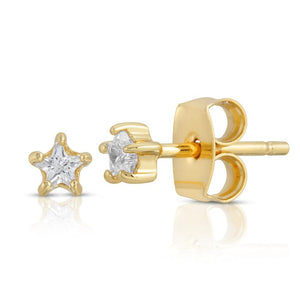 The twinkliest little star studs! 18k gold plated brass (tarnish resistant) with star shaped cz stones.   Stars are 4 mm