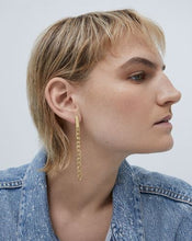 Load image into Gallery viewer,  Beau drop earrings