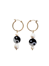 Load image into Gallery viewer, Aya Earrings