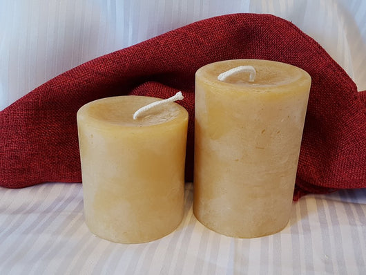 Small Round beeswax candle 3.5