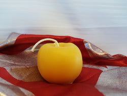 Golden Apple Pure Beeswax Candle - 2