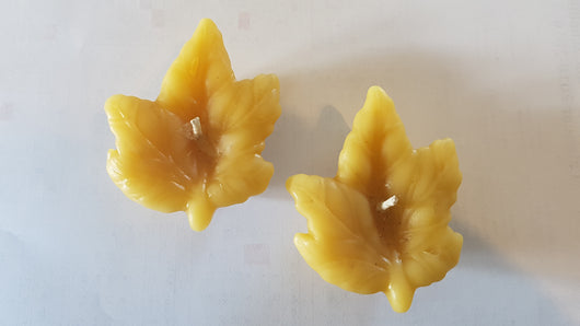 Floating maple leaf - pure beeswax candleCandles- Barriault Ranch